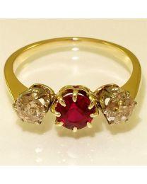 Antieke gouden ring met diamanten en edelstenen