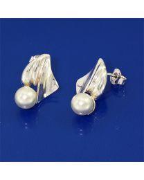 Zilveren oorbellen met Cultive Parel