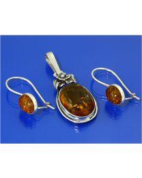Zilveren set: hanger + oorbellen